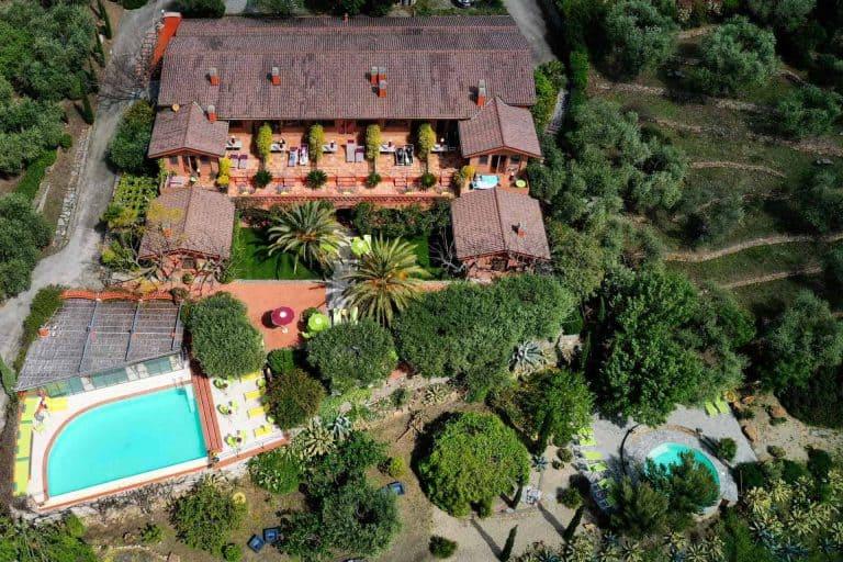 Vista dall'alto dell' Agriturismo Relais San Damian, Imperia, Liguria, Italia