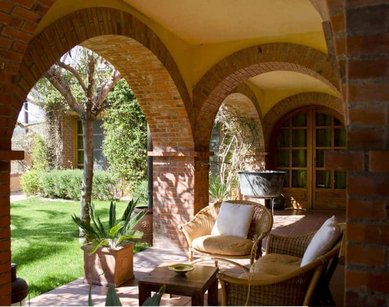 Archi suite, patio esterno,  Agriturismo Relais San Damian, Imperia, Liguria, Italia