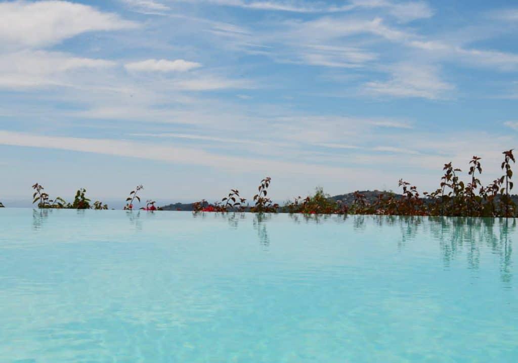 Infinity pool, Piscina, Agriturismo Relais San Damian, Imperia, Liguria, Italia